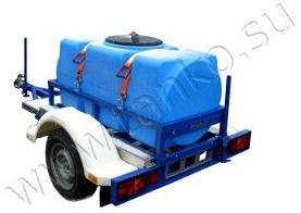 Прицеп с пластиковой емкостью на 500 литров