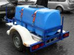 Прицеп с пластиковой емкостью перевозка воды и топлива